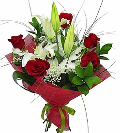1 dal kazablanka 5 kırmızı gül buketi  Ankara kaliteli taze ve ucuz çiçekler