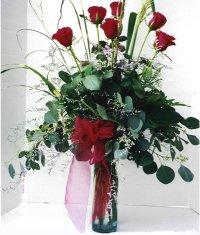 Ankara çiçek siparişi sitesi  7 adet gül özel bir tanzim