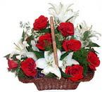 sepette gül ve kazablankalar   Ankara çiçekçi mağazası