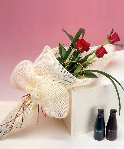 3 adet kalite gül sade ve sik halde bir tanzim  Ankara internetten çiçek siparişi