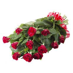 11 adet kirmizi gül buketi  Ankara yurtiçi ve yurtdışı çiçek siparişi