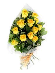 Ankara güvenli kaliteli hızlı çiçek  12 li sari gül buketi.
