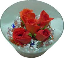 Ankara 14 şubat sevgililer günü çiçek  5 adet gül ve cam tanzimde çiçekler