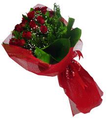 Ankara çiçek gönderme sitemiz güvenlidir  10 adet kirmizi gül demeti