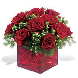 Ankara çiçek yolla  9 adet kirmizi gül cam yada mika vazoda