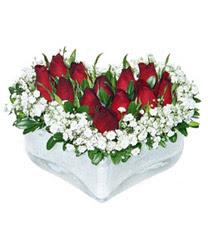 Ankara internetten çiçek siparişi  mika kalp içerisinde 9 adet kirmizi gül