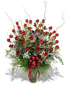 Ankara çiçek siparişi sitesi  33 adet kirmizi gül vazo içerisinde