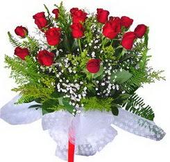 Ankara çiçek satışı  12 adet kirmizi gül buketi esssiz görsellik