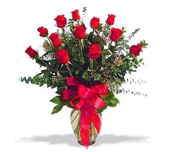 çiçek siparisi 11 adet kirmizi gül cam vazo  Ankara online çiçek gönderme sipariş