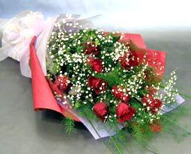 10 adet kirmizi gül çiçegi gönder  Ankara anneler günü çiçek yolla
