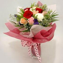 Karisik renklerde 11 adet gül buketi  Ankara çiçek gönderme