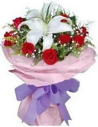 9 adet kirmizi gül 1 adet kazablanka buketi  Ankara çiçekçi mağazası
