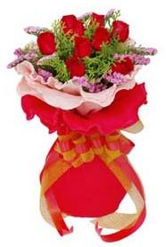 Ankara cicekciler , cicek siparisi  8 Adet kirmizi güllerden buket tanzimi