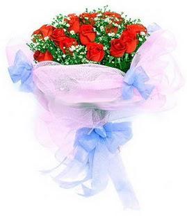 Ankara çiçek siparişi sitesi  11 adet kırmızı güllerden buket modeli