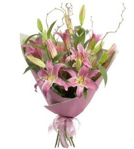 Ankara İnternetten çiçek siparişi  3 dal cazablanca buket çiçeği