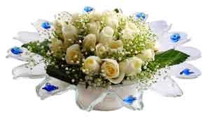 Ankara çiçek online çiçek siparişi  11 adet Beyaz güller özel cam tanzim