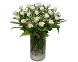 Ankara yurtiçi ve yurtdışı çiçek siparişi  cam yada mika Vazoda 12 adet beyaz gül - sevenler için ideal seçim