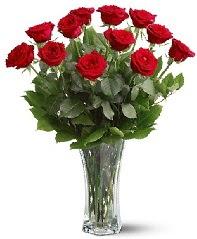 11 adet kırmızı gül vazoda  Ankara internetten çiçek siparişi