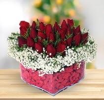 15 kırmızı gülden kalp mika çiçeği  Ankara çiçek satışı