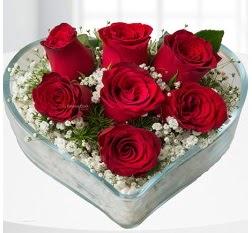 Kalp içerisinde 7 adet kırmızı gül  Ankara çiçek servisi , çiçekçi adresleri
