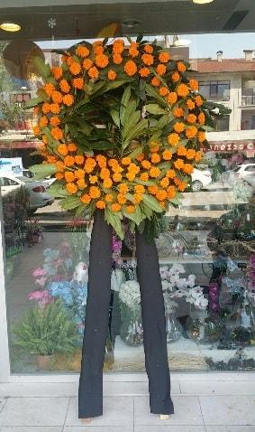 Cenaze çiçeği cenaze çelengi çiçek modeli  Ankara çiçek gönderme