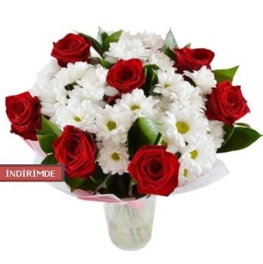 7 kırmızı gül ve 1 demet krizantem  Ankara çiçek gönderme sitemiz güvenlidir